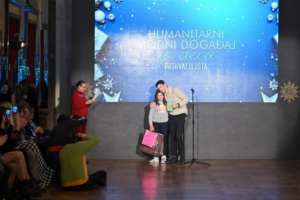 Održana tradicionalna humanitarna revija za decu Prihvatilišta